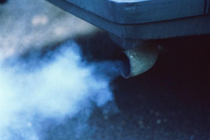 Синий дым на авто с дизельным двигателем