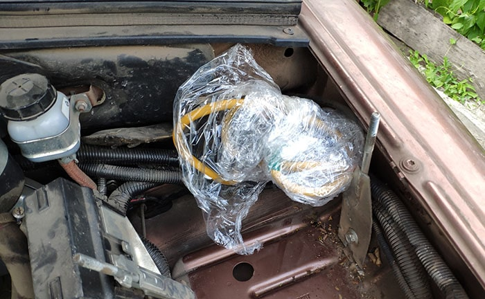 Защита при мойке двигателя